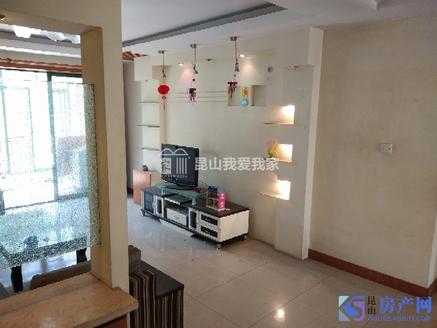 雍景湾西苑 精装修126平三房 307万 黄金楼层 满两年 带个20平左右的车库