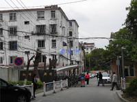 店长推荐,红峰新村,玉峰二中,紧邻地铁口,学区未用,看房方便。