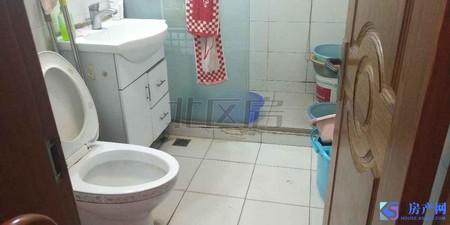 杨家弄,二中 一中心,精装2房,保养好,低总价,房东定好房急卖!