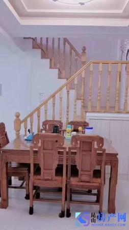 湖滨花园 精品复式楼 红木家具家电全送 保养好 可拎包入住 价格从优 随时看房