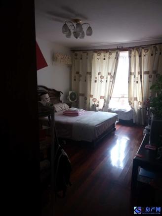 红峰新村 精装修 好楼层 有自行车库 老城区 玉峰实小和二中 学籍好用