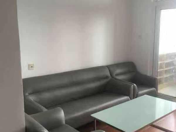 翡翠湾 精装一房 家的感觉 家具家电都是去年刚买的