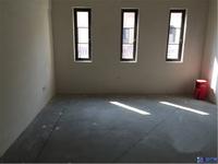 观林一品联排别墅,东边套 产证216平米 地下室50平米 满2年 可以上学