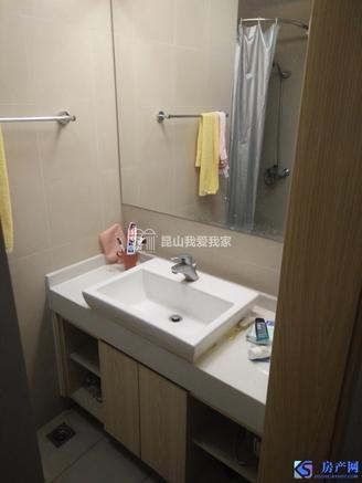 城东地铁口中大简界精装1室1厅1卫,70年产权公寓 房东诚心急卖有钥匙