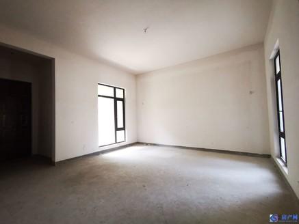一楼带院子 满两年 小区中间位置 毛坯 南北通透 钥匙在手