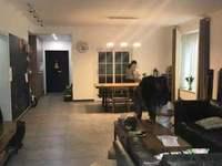 房东诚心出售时代中央社区三房两厅两卫精装修满两年 价位合理 喜欢的来电咨询