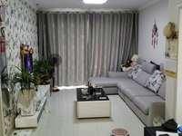 伯爵大地89平2房,学区都在,满5年,精装修家具家电全送,拎包入住,换房诚心出售