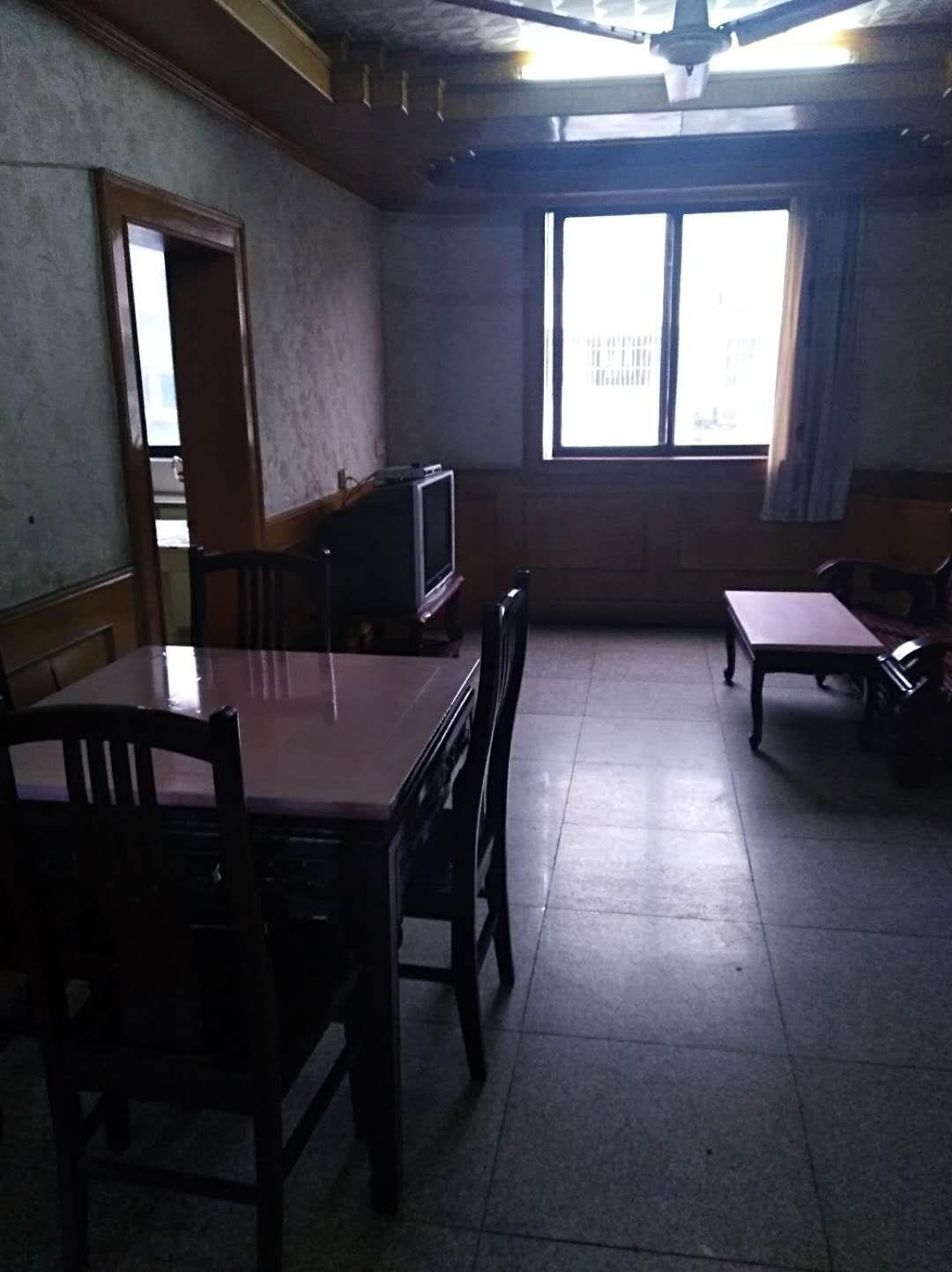 仓基园15号5楼两房朝南,明厅明卫明厨,随时看房。