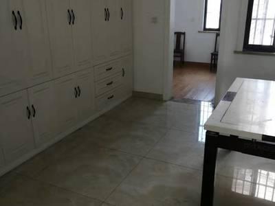 全新装修未住过人已通风一年,学区未用,随时看房