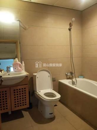 蝶湖湾精装两房,中间楼层,采光很棒,随时可以看房。