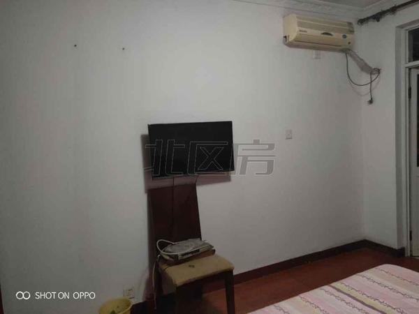 昆山城区,美华东村,不靠高驾,精装3房,采光不遮挡,急售,随时看