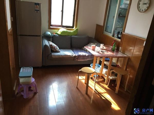绣衣新村 全精装2房朝南 边套客厅带窗户 3楼有钥匙 满二年诚心出售