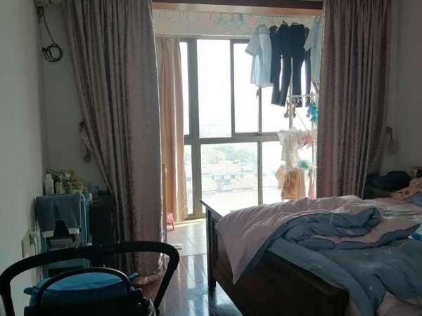 友谊医院对面添馨阁大2房,学区未用,黄金楼层,房东低市价20万急售,随时可以看房