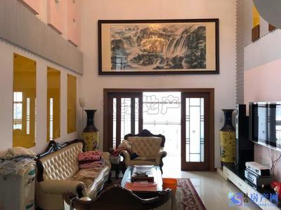 北门路商圈皇家花园 空中别墅客厅挑高6米多 全屋中央空调 品牌家电家具全送