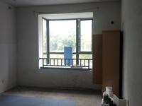 新江南多层2楼边套送车库12平米有钥匙随时看房