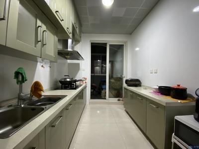 急售换房,上佳楼层,东边套,大楼距,采光刺眼,精装自住,本地房东