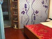 蝶湖湾三期精装2房,干净清爽,都有空调,拎包入住,超市就在门口