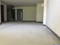 一二楼复式带70平大花园,送30平面积,独,家委托看房有钥匙