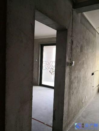 落地湖景阳台 视野5000米 房东急售 价格可谈