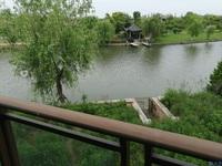 淀湖桃园临水独栋 景观好,楼层好,花园.餐厅都可观湖,好房不等人