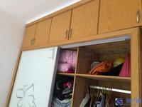 康居新江南精装小三房。学区未用,配套成熟,交通便利。看房方便。