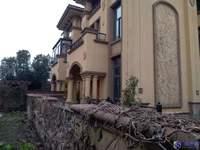 住商保真 紧邻淀山湖镇的别墅小区、小区环境优美、物业管理严格。