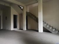 阳澄湖畔纯独栋别墅,坐北朝南占地一亩,上下两层看房有钥匙