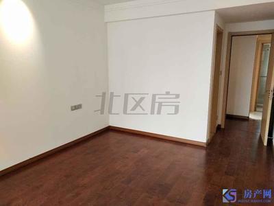 中南世纪城,开发硬装修3房2卫出租,急租随时看房子