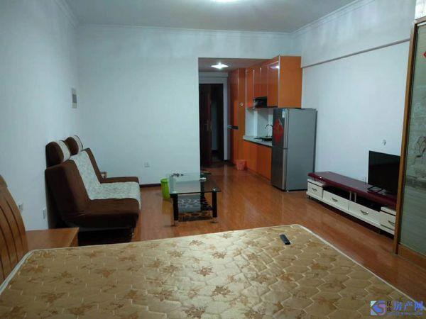 甲壳虫公寓,天地华城对面,共青小区B区北门,难得的单身公寓1800/月