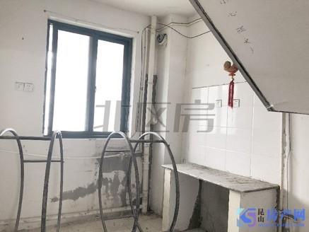 小区门口就是地铁 陆电148平多层复式 单价10740