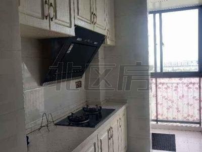玫瑰湾中南世纪城,精装修自住两房出租,保养好随时入住,有钥匙