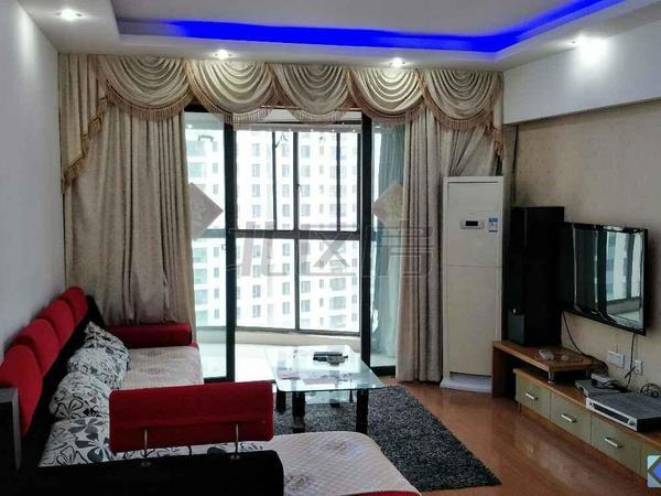 伯爵大地,精装一房,中间楼层,清爽干净,拎包入住,房东实在,看房随时。