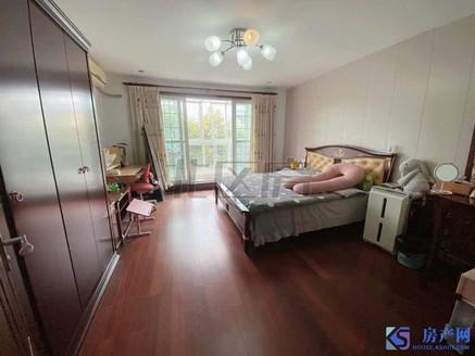 宝岛花园 叠加别墅 带露台100平米 带车位车库 满5年 价格可以谈的 位置好