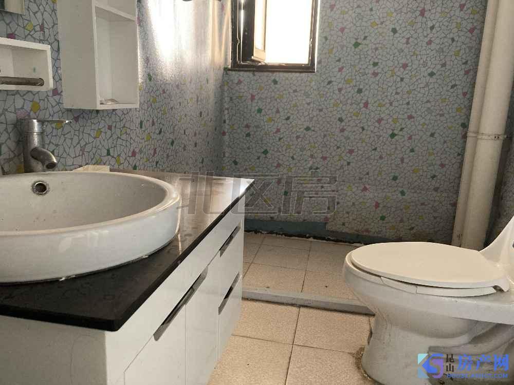 中大未来城 3居室 有钥匙随时看房 家具家电都会配好 天然气已开通。