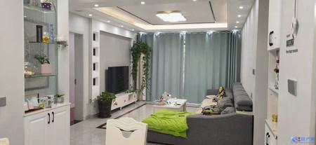 晧康小时代房子户型方正,视野开阔,采光明亮 ,精装修,随时看房