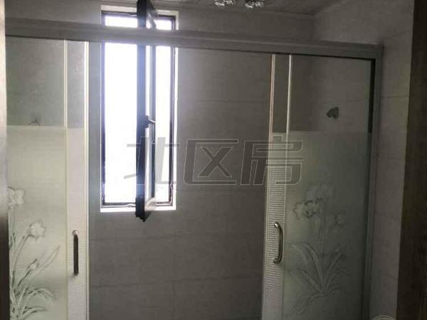 中大未来城 精装通透3房 家具家电保养如新 拎包入住 诚心急租。
