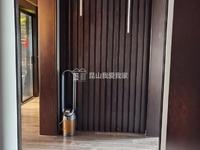 长顺滨江皇冠 豪华装修大平层,景观楼层 !