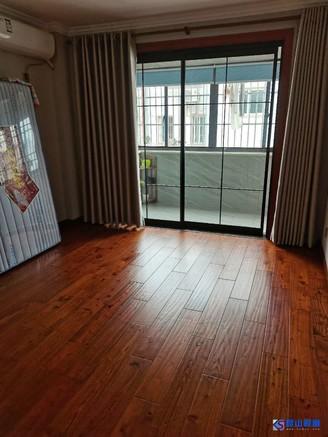 櫷园新村3楼小三房。