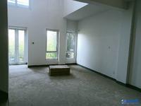 景瑞翡翠湾南区联排,4房3厅3卫,实际使用面积300平