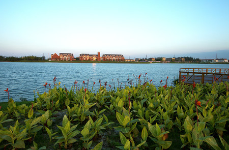 北大资源湖景4房 景观楼层 纯毛坯换房急售