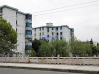 红峰新村可上玉峰二中,精装两房送小车库,适合居住和上学