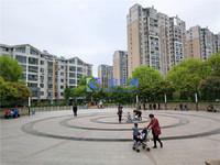青城之恋精装修大三房 南北通透户型 环境优美 性价比高房东急售