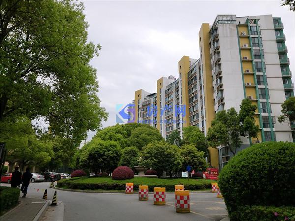青城之恋大三房诚心出售九方城商圈飞机户型楼层美丽送车位车库