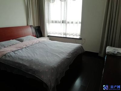 市中心优质小区裕元蓝海精装大三房,金鹰和弘辉两房的价格,有钥匙可随时看房