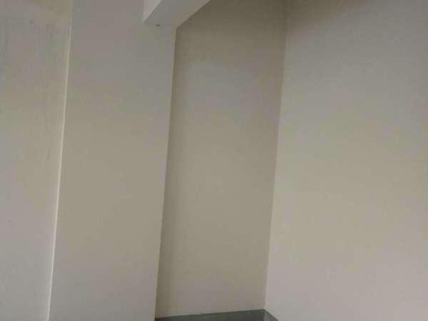 观湖壹号 大平层4房3卫 毛坯 景观楼层 学区都在 在家可以看音乐喷泉 有钥匙