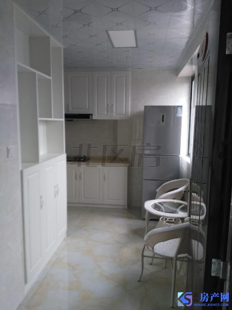 九方城商业圈 出行方便 带天然气的高档公寓