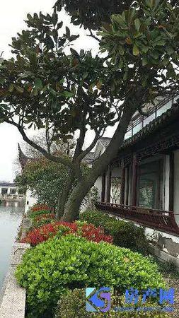 真实在售紧靠阳澄湖独栋湖景别墅占地一亩 纯毛坯看房随时
