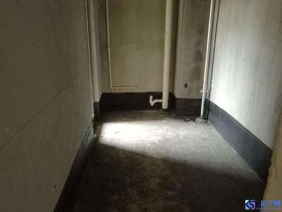 顺城名湾 电梯 毛坯大二房带车位 房东诚心出售 看房有钥匙 独家委托!