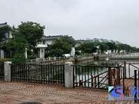 阳澄湖边上独栋湖景别墅 纯毛坯位置好诚心出售看房随时中式风格