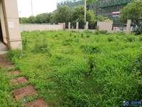 占地近一亩绿地21新城联排别墅大边套,只卖660万,全新毛坯,随时看房,房东急售